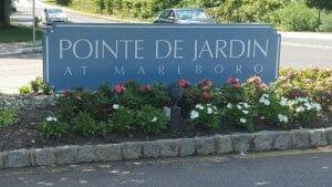 Point de Jardin Marlboro sign